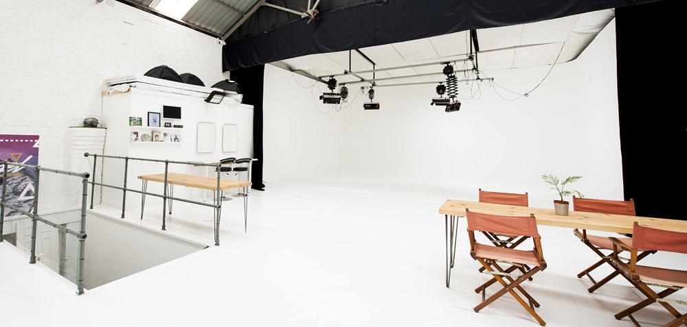 liverpool studios, vessel studios, liverpool film studio, liverpool photo studio, littlewoods film studio, photography studio liverpool, photo studio liverpool, film studio liverpool, infinity wall, infinity curve, infinity cove, infinity bowl